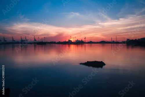 SCENIC VIEW OF SEA AGAINST SKY DURING SUNSET - fototapety na wymiar