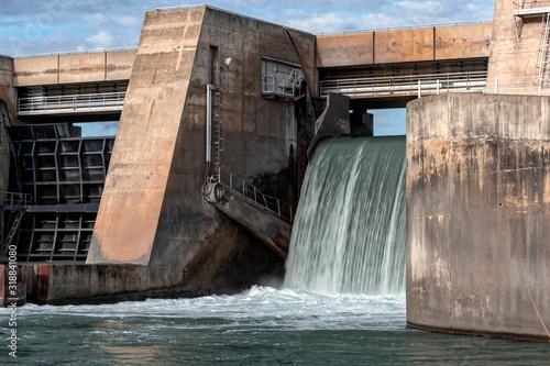 Cascade Barrage hydroélectrique Canvas Print