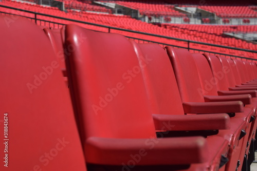 Fotografía Full Frame Shot Of Empty Red Chairs In Stadium