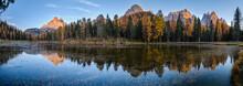 Beautiful Autumn Evening Lake ...