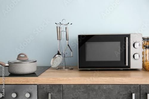 Fototapeta Modern microwave oven in kitchen obraz