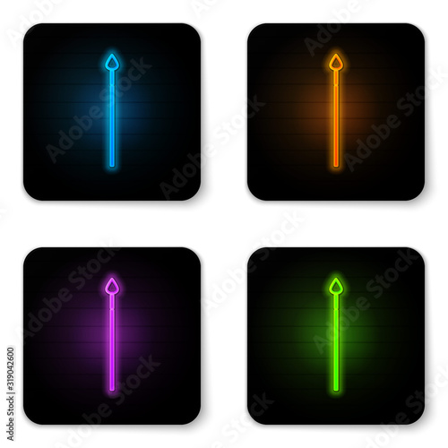 Fotografía Glowing neon Medieval spear icon isolated on white background