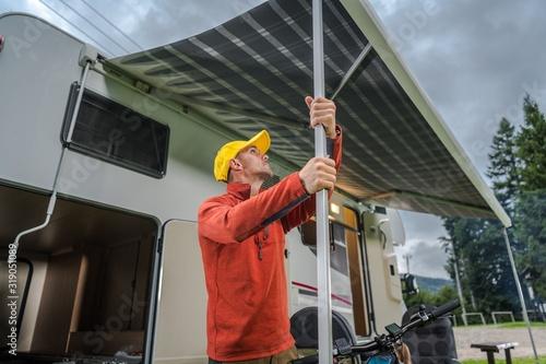 Fotografie, Obraz RV Motorhome Awning Extending