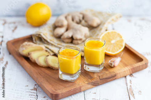 Lemon ginger shot Canvas-taulu