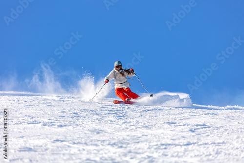 Canvastavla Girl On the Ski