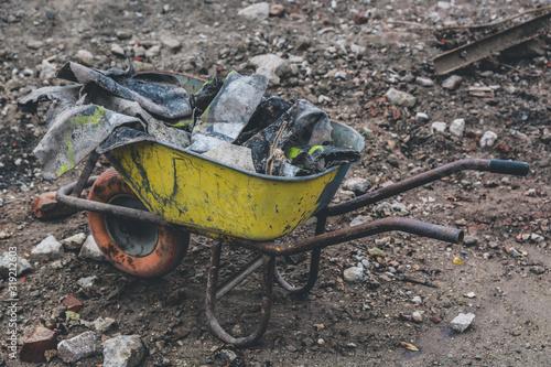 Wheelbarrow On Land Fotobehang