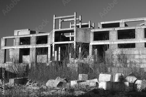 Photo Abandoned construction site of hospital