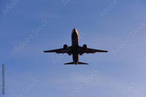 avion vol survol ciel Wallpaper Mural
