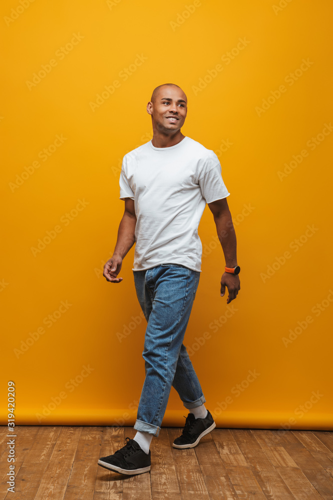 Fototapeta Portrait of an attractive confident casual young man