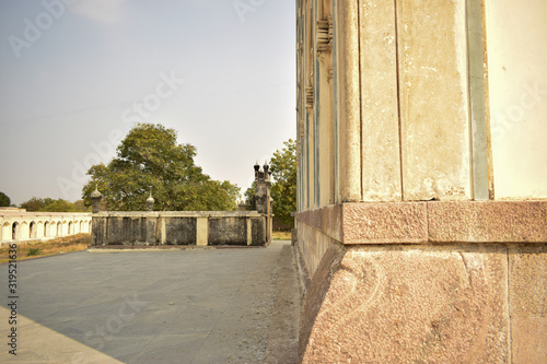 Photo Minaret at the Great Mosque at the tombs of the seven Qutub Shahi rulers in the