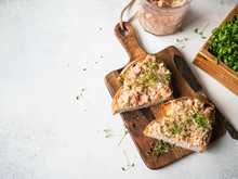 Healthy Toasts With Salmon Pat...