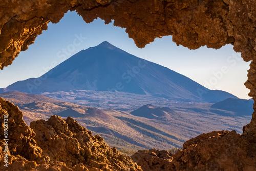 Obraz na plátne SCENIC VIEW OF MOUNTAINS AGAINST SKY