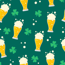 Happy Saint Patrick Day Bear Glass Seamless Pattern. Spring Holiday Background With Clover.