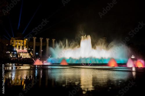 Font màgica de montjuic con reflejo de la fuente con luces debajo y mnac con luc Canvas Print