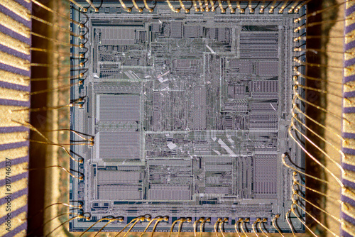 Foto Super macro shot of silicon wafer with printed electronic circuit