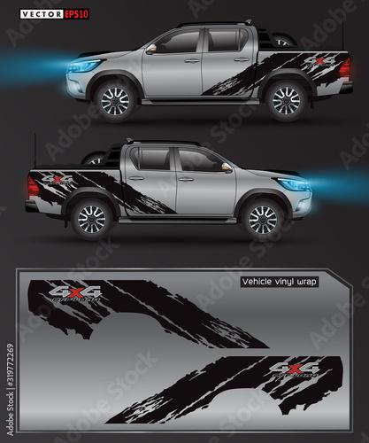 Fotografía 4 wheel drive truck and car graphic vector
