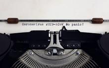 Old Retro Vintage Typewriter W...