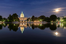 Washington DC, The United States Capitol Building At Night