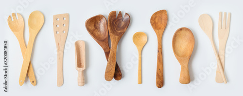 Fotomural Wooden kitchen utensils collection on white background