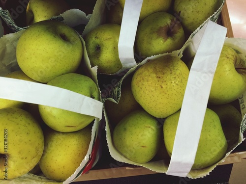 Tela Close-Up Of Granny Smith Apples In Market