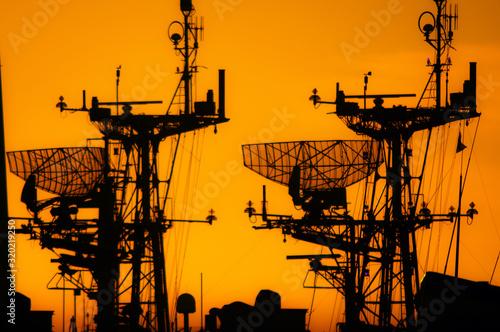 Cuadros en Lienzo Silhouette Warship During Sunset