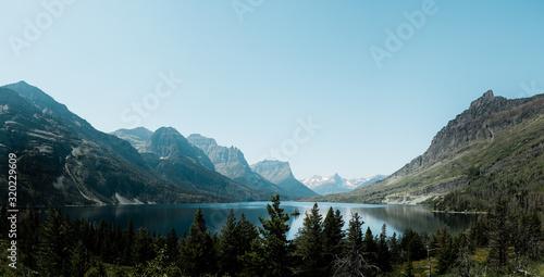 Vászonkép lake in the mountains of glacier national park
