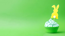 Cream Cupcake With Topper Silh...