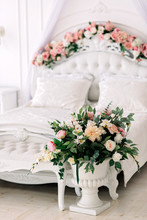 Luxurious White Rococo Bed Dec...