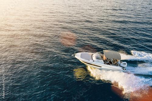 Foto Speed boat in mediterranean sea, aerial view