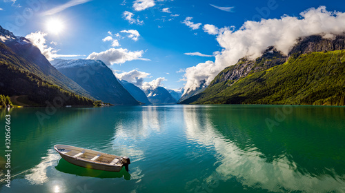 Obraz lovatnet lake Beautiful Nature Norway. - fototapety do salonu