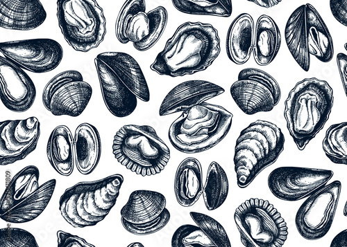 Fotografiet Hand drawn edible marine mollusks seamless pattern
