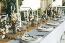 Table Setting And Decoration F...