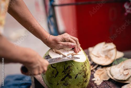 Photo Découpe noix de coco