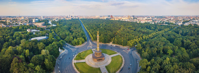 FototapetaGreat Berlin panorama - Victory Column with a view of the city