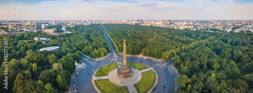 Obraz Great Berlin panorama - Victory Column with a view of the city - fototapety do salonu