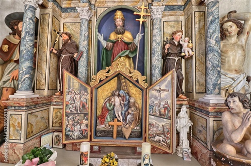 Photo Altar of the Chapel of San Silvestro in Vallunga, South Tyrol, Italy