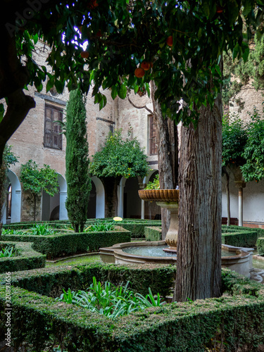 PLACES OF THE ALHAMBRA | BEAUTIFUL COUNTRIES | ALHAMBRA GARDENS Canvas Print