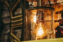 Lampe Avec Ampoule à Filamen