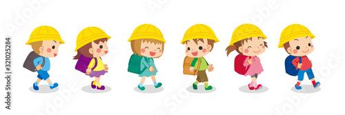 Fotografie, Tablou クラスメイトと仲良く登下校する可愛い小学生