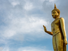 Religion In Thailand Is Theravada Buddhism