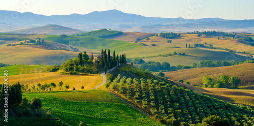 Fotografiet Late summer aerial landscape of valley in Tuscany