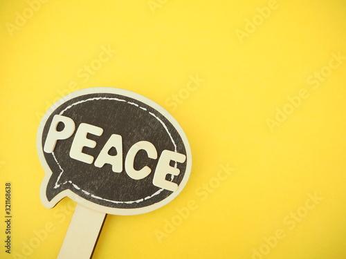 Photo メッセージボードに平和の単語