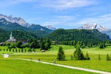 Traumhafte Bergwelt Mit Radfah...