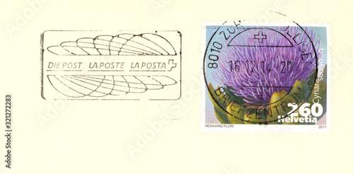 Valokuvatapetti Briefmarke stamp Helvetia Schweiz lila Blume Pflanze Flower plant Artischocke cy