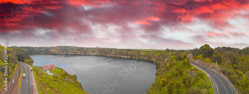 Photo Beautiful aerial view of Blue Lake in Mount Gambier, Australia