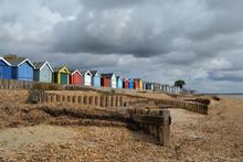 Cabanes Multicolores à Calsh