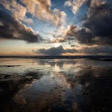 UK, Wales, Pembrokeshire, Freshwater West Beach At Dramatic Sunset