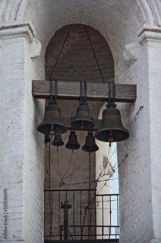Slika na platnu Bells on Belfry Vodovzvodnaya tower Georgievskaya church in Moscow Kolomenskoye