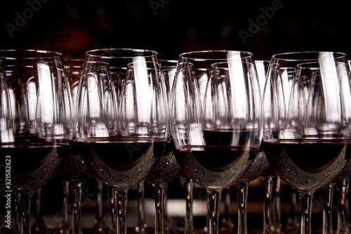 Fototapeta Red wine in glasses. obraz