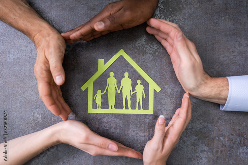Fototapeta Person Hands Protecting Family Home obraz